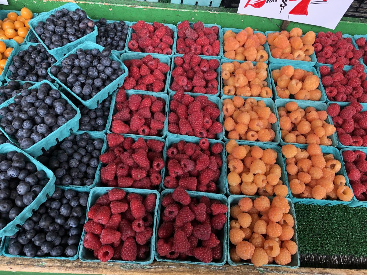 Pikes place berries